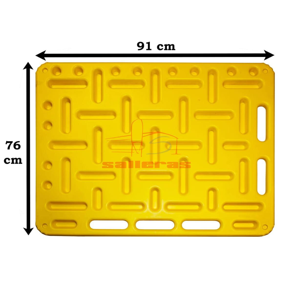 Dos paneles amarillos para empujar ganado